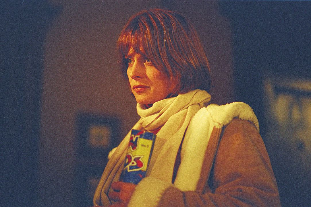 Die attraktive Psychologin Dr. Jennifer Stillman (Nastassja Kinski) tritt die Stelle als neue Schultherapeutin in einem kleinen, einsamen Dorf irgen... - Bildquelle: 2004 Sony Pictures Television International. All Rights Reserved.