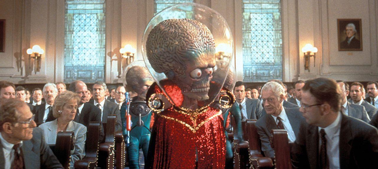 Nichts über die Absichten der Außerirdischen ahnend, bereiten die Amerikaner den Aliens einen außergewöhnlichen Staatsempfang ... - Bildquelle: Warner Bros. Pictures