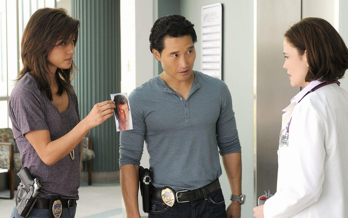 Bei der Suche nach dem Namen des Opfers kommen Chin (Daniel Dae Kim, M.) und Kono (Grace Park, l.) einer Entführung auf die Spur, bei deren Aufkläru... - Bildquelle: TM &   2010 CBS Studios Inc. All Rights Reserved.