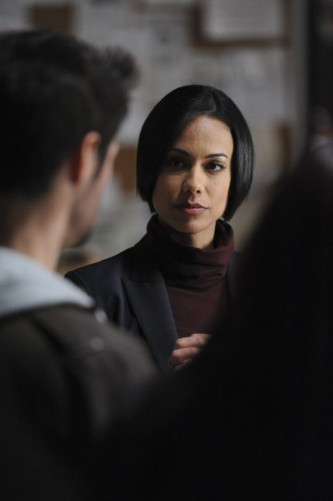 Ein Serienmörder bereitet Nina (Daya Vaidya) und ihren Kollegen Kopfzerbrechen ... - Bildquelle: 2011 CBS Broadcasting Inc. All Rights Reserved.