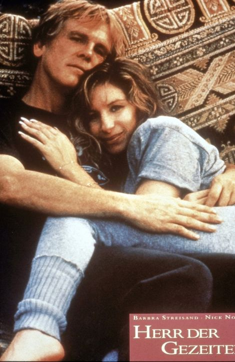 Tom Wingo (Nick Nolte, l.) und die Psychoanalytikerin Susan Lowenstein (Barbra Streisand, r.) haben sich ineinander verliebt. Aber ihrer Liebe ist k... - Bildquelle: Columbia Pictures