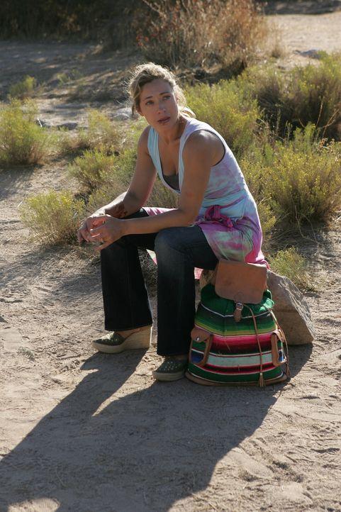 Nachdem Lucy (Alex Kingston) ihren Mann entführen lies, wird von der mexikanischen Polizei festgenommen und erwartet ihren Prozess in Mexiko .... - Bildquelle: Warner Bros. Entertainment Inc.