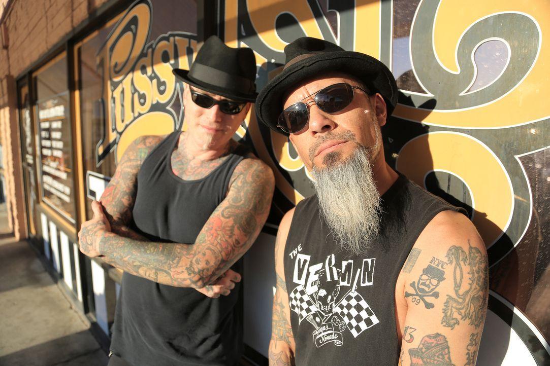 Auf der Suche nach den schlimmsten Tattoos in Las Vegas: Ruckus (r.) und Dirk (l.)... - Bildquelle: 2013 A+E Networks, LLC