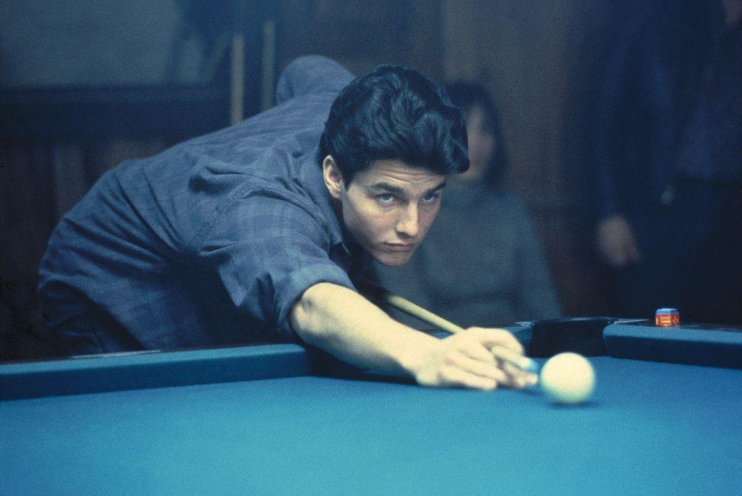 Übung macht den Meister: Vincent (Tom Cruise) bereitet sich auf sein erstes großes Billardturnier vor ... - Bildquelle: Buena Vista Pictures