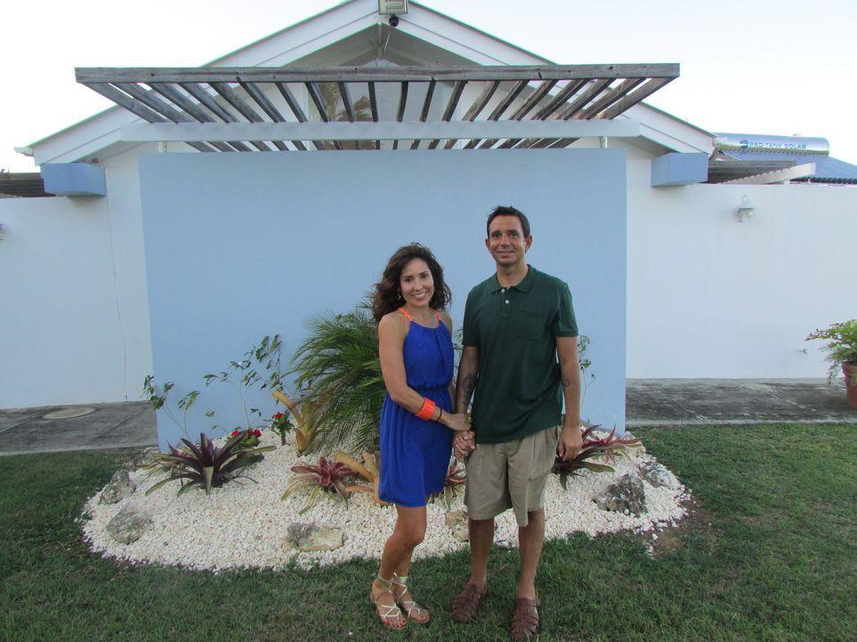 Um dem stressigen Leben in Long Island nach 17 Jahren nun endlich zu entkommen, beschließen Griselle (l.) und Steve Muccilo (r.) nun nach Puerto Ric... - Bildquelle: 2013, HGTV/Scripps Networks, LLC. All Rights Reserved.