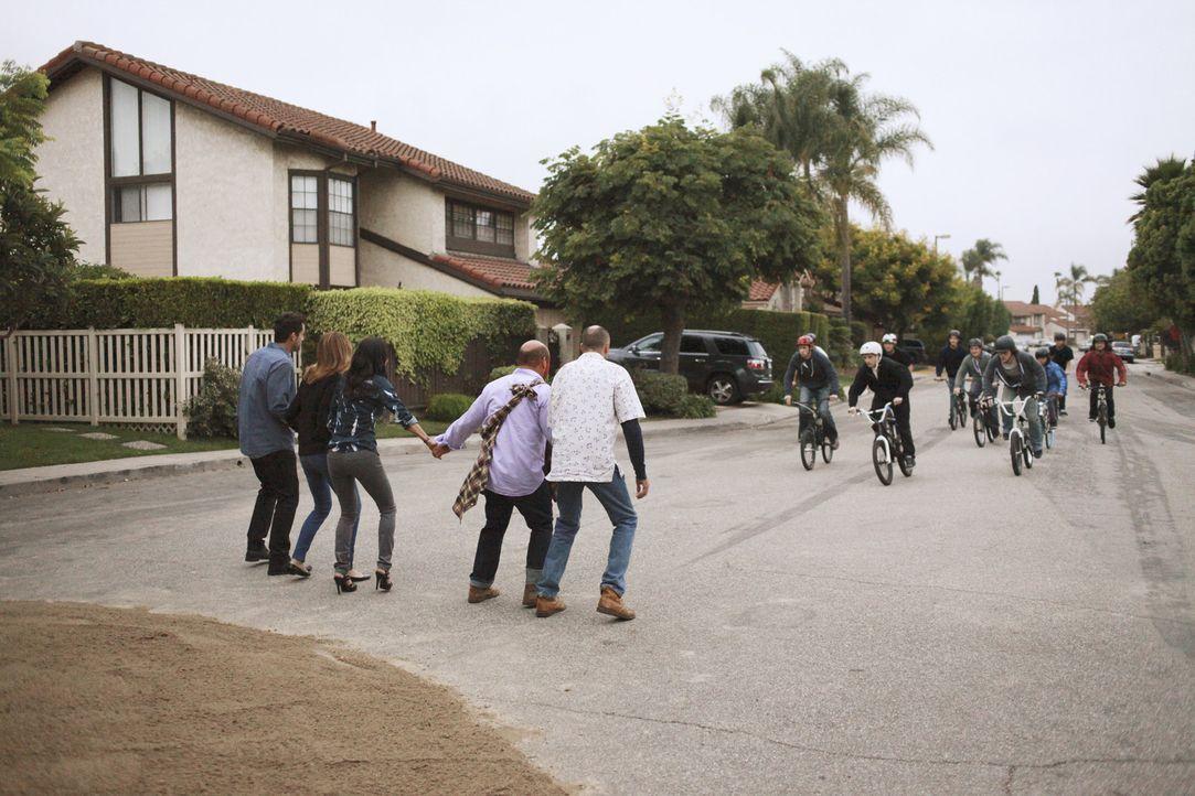 Zum Leidwesen der ganzen Nachbarschaft hat eine Gruppe von jungen Fahrradfahrern eine Abkürzung zur neu gebauten Mall entdeckt ... - Bildquelle: 2011 American Broadcasting Companies, Inc. All rights reserved.
