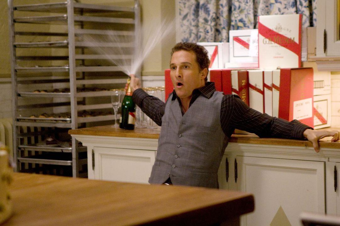 Mit drei Geistern durchreist Connor (Matthew McConaughey) verschiedene Stationen seines Lebens und sieht, was am Ende davon übrig bleibt ... - Bildquelle: 2008   Warner Brothers