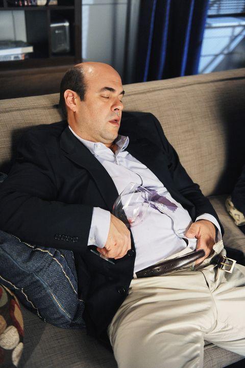 Andy (Ian Gomez) ist wieder mal in sexuellem Notstand. Er schafft es einfach nicht, so lange zu warten, bis Ellie ihn erobern will ... - Bildquelle: 2009 ABC INC.