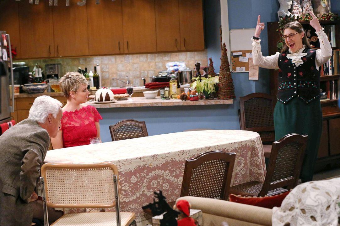Weihnachten steht vor der Tür, aber Raj kann das traditionelle Weihnachtsessen nicht ausrichten, da sein Vater (Brian George, l.) zu Besuch kommt. A... - Bildquelle: Warner Bros. Television