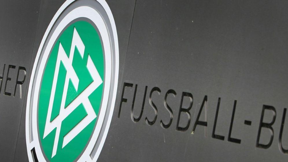 Der DFB favorisiert ein Modell mit vier Staffeln - Bildquelle: AFPSIDDANIEL ROLAND