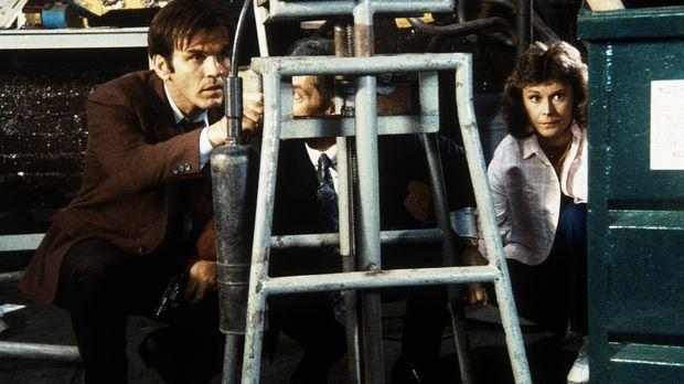 Amanda (Kate Jackson, r.) ist in die Hände des Gangsters Benedict (Jack Thibe...
