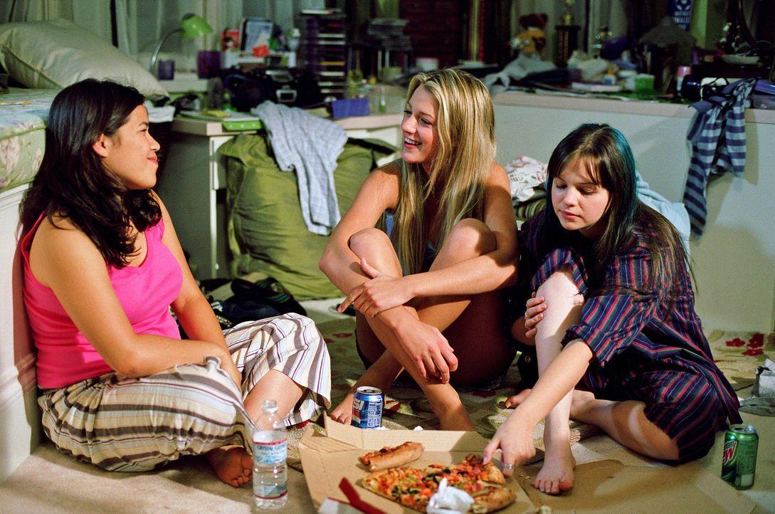 Die schüchterne Lena, die zynische Tibby (Amber Tamblyn, r.), die leidenschaftliche Carmen (America Ferrera, l.) und die sportliche Bridget (Blake... - Bildquelle: Warner Bros.