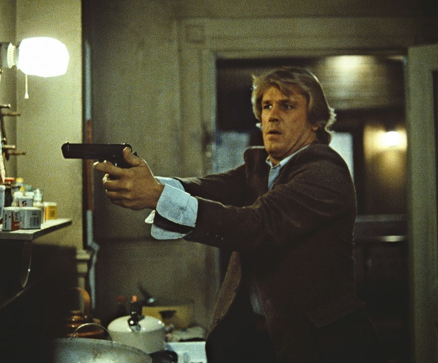 Der toughe Cop Jack (Nick Nolte) ist kein Mann vieler Worte. Für ihn ist die einzige Sprache, die Gauner verstehen, die Sprache der Waffen. - Bildquelle: Paramount Pictures