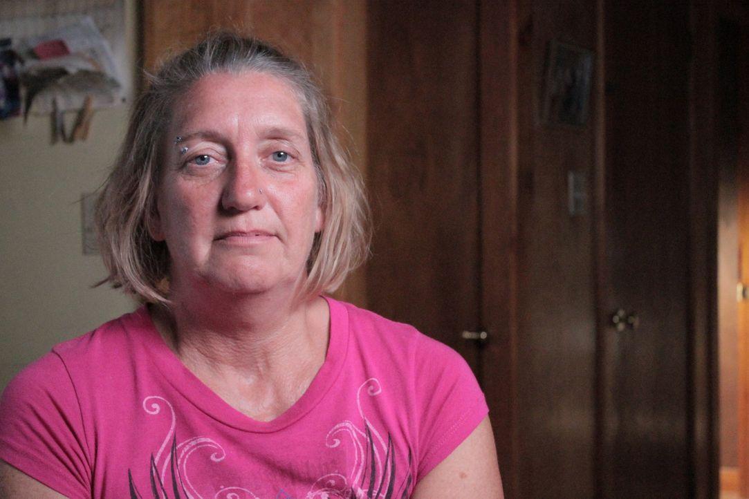 17 Jahre wurde Deborah Roberts von ihrem eigenen Mann Zuhause festgehalten, doch selbst als es ihr gelingt zu fliehen, gibt ihr Mann nicht auf und j... - Bildquelle: Atlas Media Corp.