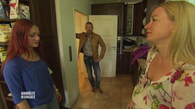 Anwälte Im Einsatz - Anwälte Im Einsatz - Staffel 1 Episode 177: Scheinehe Ist Billiger Als Scheidung