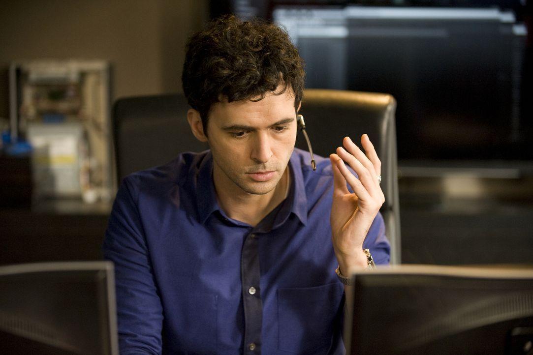 Hyppolite (Raphaël Ferret) muss Chloé dabei unterstützen, eine Theorie zu überprüfen ... - Bildquelle: Jaïr Sfez 2012 BEAUBOURG AUDIOVISUEL