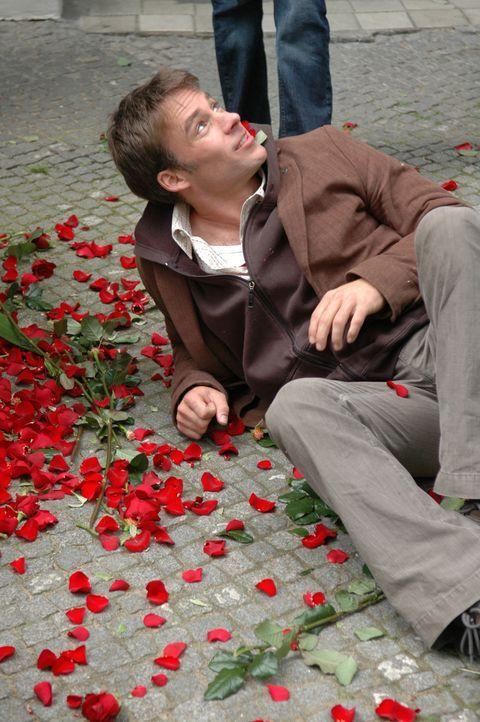 Schmerzhaft muss Max (Marco Girnth) erfahren, dass es keineswegs so einfach ist, ein enttäuschtes Herz zurück zu gewinnen ... - Bildquelle: Stefan Erhardt ProSieben