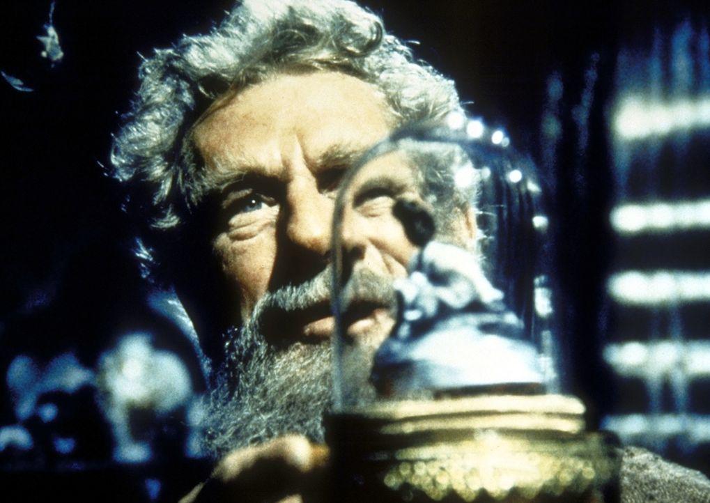 Die Spieluhr erinnert Amos Pike (John Anderson) an eine Tänzerin. - Bildquelle: Worldvision