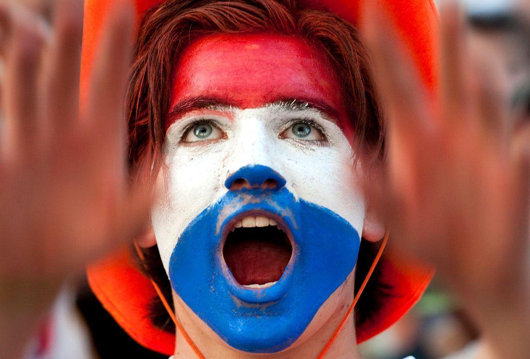 Die Fans der Oranjes - 2 - Bildquelle: dpa