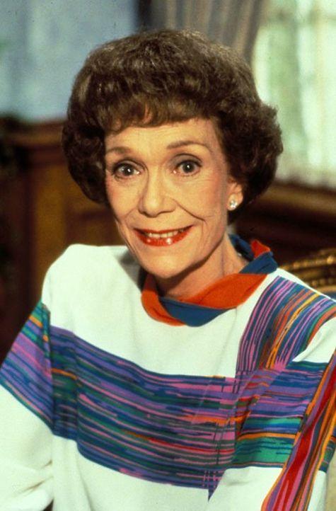(9. Staffel) - Nach Charleys heimtückischem Attentat hängt Angelas (Jane Wyman) Leben an einem seidenen Faden. Als dieser auch noch die Stromversorg... - Bildquelle: 1989   Warner Brothers