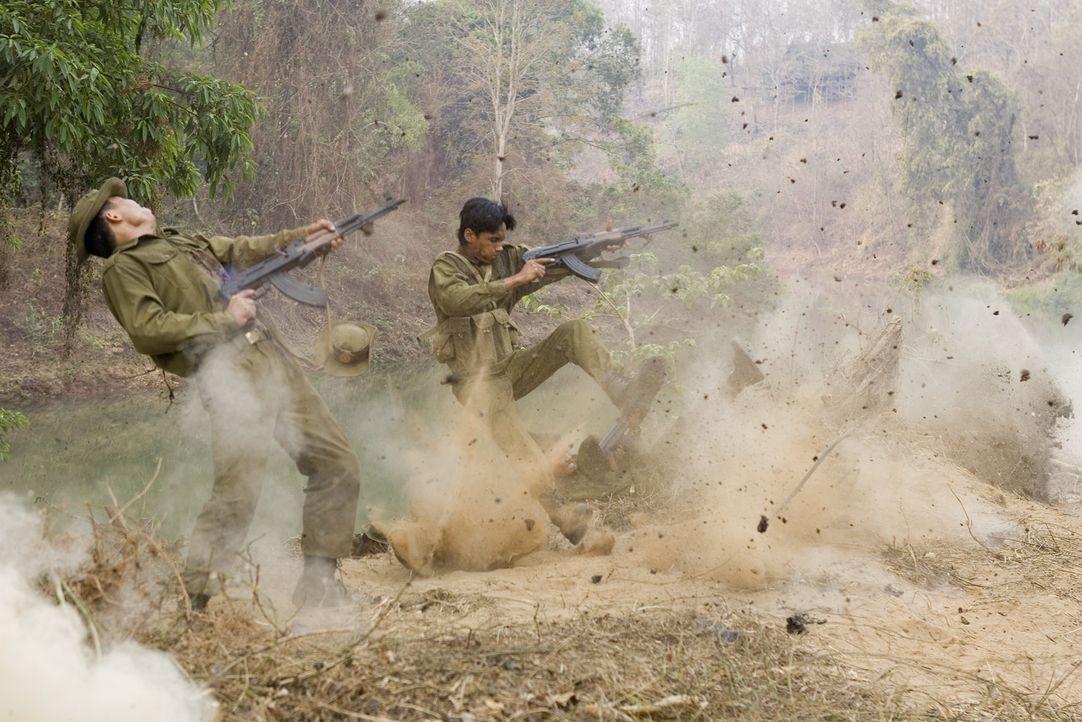 Schon 60 Jahre dauert der Konflikt zwischen Birmanen und Karen an der nahen thailändisch-birmanischen Grenze - der längste Bürgerkrieg der Mensch... - Bildquelle: Karen Ballard Nu Image Films