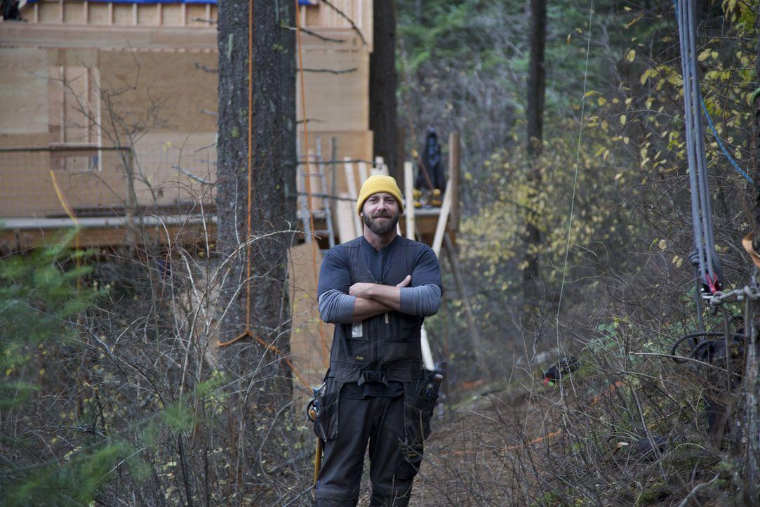 Treehouse Guy Ka-V ist bereit für eine neue Challenge. In Idaho stellt er für die Buttars ein Baumhaus-Traum in modernem Design, mit großer Veranda... - Bildquelle: 2016, DIY Network/Scripps Networks, LLC. All Rights Reserved.
