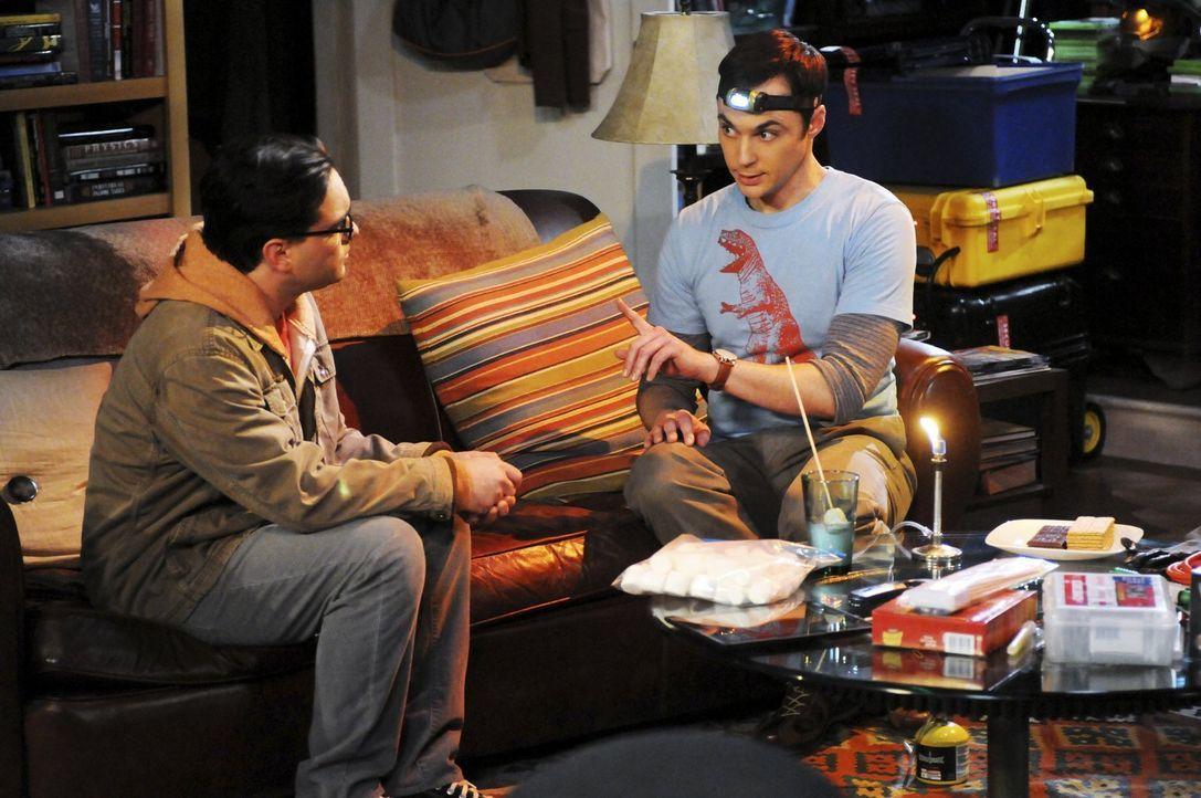 Sheldons (Jim Parsons, r.) selbstsüchtige Forderungen lassen Leonard (Johnny Galecki, l.) die Freundschaft zu ihm überdenken ... - Bildquelle: Warner Bros. Television