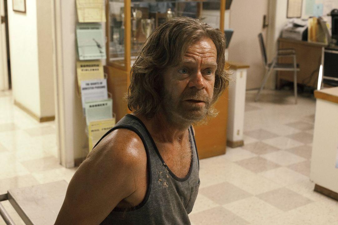 Ohne es zu ahnen, macht sich Frank (William H. Macy) mit seinem Versuch, Eddies Lebensversicherung abzugreifen, zum Hauptverdächtigen in dessen Tode... - Bildquelle: 2010 Warner Brothers