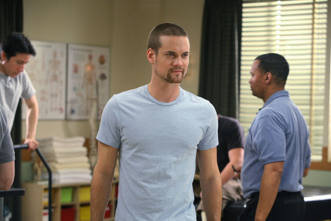 Überraschender Besuch: Ray (Shane West) sieht nach langer Zeit seine einstige Liebe, Neela, wieder ... - Bildquelle: Warner Bros. Television