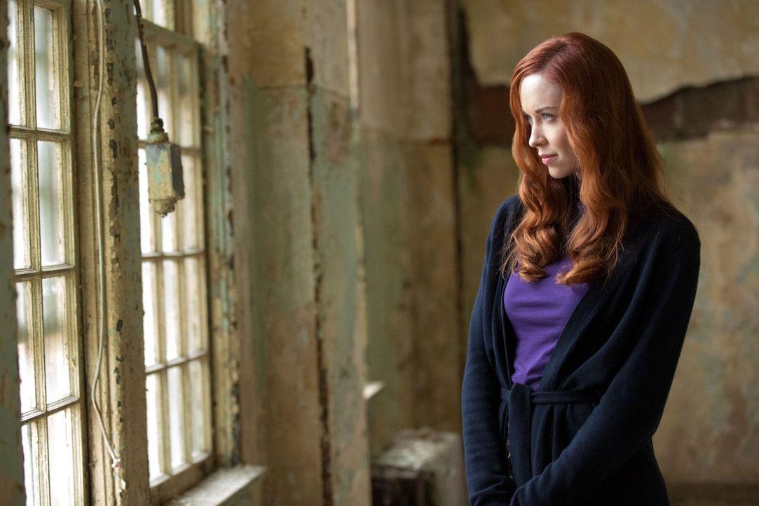 Was hat Genevieve (Elyse Levesque) mit Klaus und Rebekah vor? - Bildquelle: Warner Bros. Television