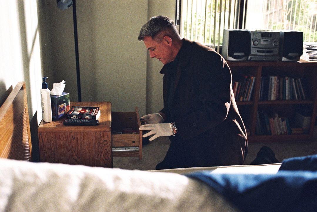 Wird Gibbs (Mark Harmon) Licht ins Dunkle bringen können? - Bildquelle: CBS Television