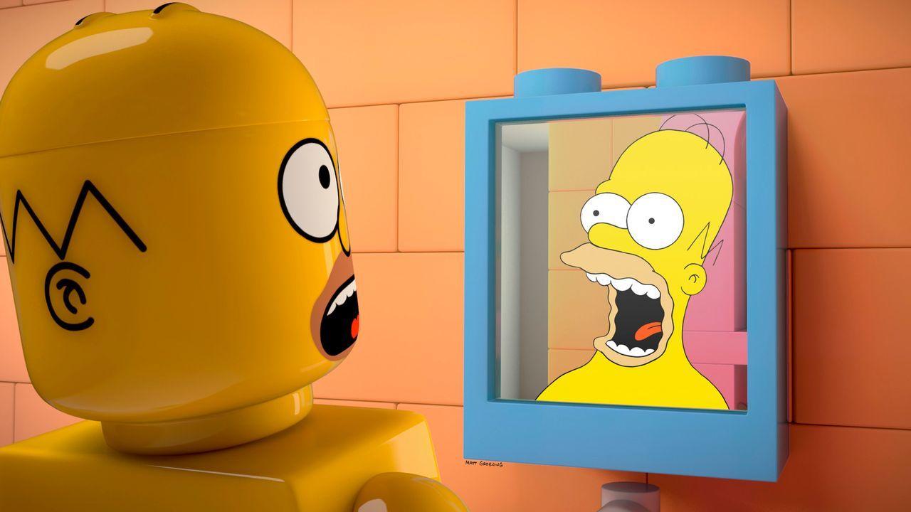 Wer ist der echte Homer Simpson? Der Lego-Homer (l.) oder der Homer aus Fleisch und Blut (r.)? - Bildquelle: 2013 Twentieth Century Fox Film Corporation. All rights reserved.