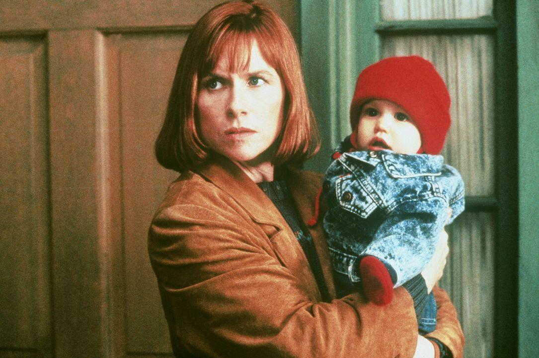 Die attraktive Liz Beaumont (Amy Madigan) versteht nicht, was in ihrem Umfeld geschieht. Wie kann es sein, dass ihr Mann in unglaubliche und ekelerr... - Bildquelle: Orion Pictures Corporation