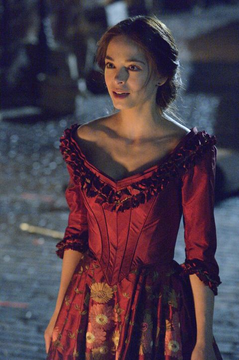Als Cat im Tagebuch ihrer Urahnin Rebecca (Kristin Kreuk) eine Geschichte liest, die ihrem und Vincents Schicksal verblüffend ähnelt, macht sie sich... - Bildquelle: 2013 The CW Network, LLC. All rights reserved.