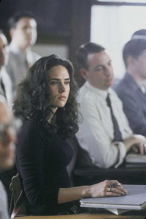 Mit wachsender Besorgnis beobachtet Alicia Nash (Jennifer Connelly, l.) Veränderungen im Verhalten ihres Mannes. Da sie um ihr Kind fürchtet, läs... - Bildquelle: Universal Pictures