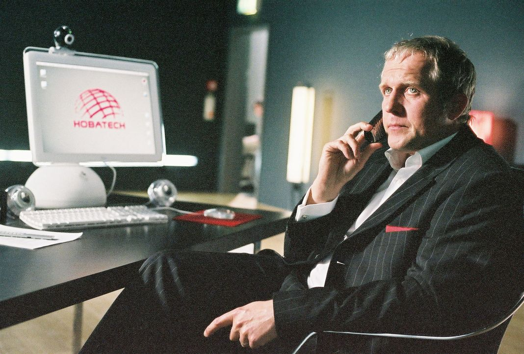Da Konzernchef Holzbauer (Harald Krassnitzer) kurz vor der Pleite steht, muss er seinen Aufsichtsrat von einer Kapitalaufstockung überzeugen. Da kom... - Bildquelle: Thekla Ehling Prosieben