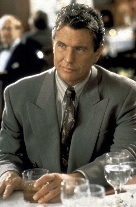 Der aufdringliche Autor Jack Landsford (Tom Berenger) zählt zu den Verdächtigen ... - Bildquelle: Paramount Pictures