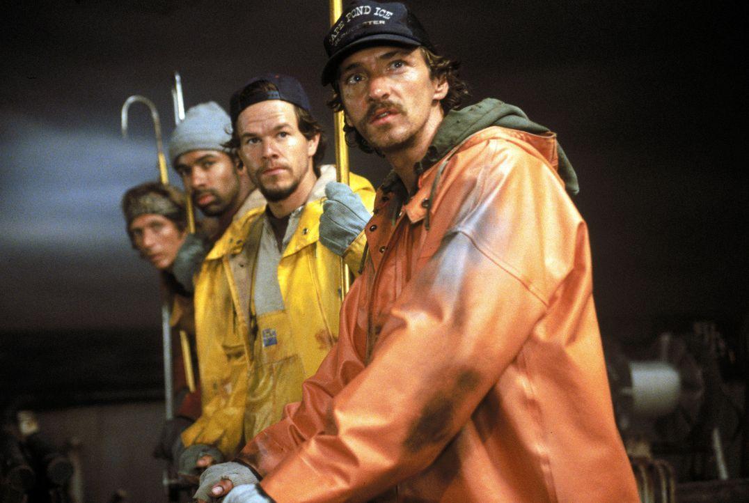 Die Gefahr vom Sturm und Wellen auf hoher See ist ihr Alltag, für einen erfolgreichen Fischzug geben Sie alles- die Schwertfischer vom Gloucester r... - Bildquelle: Warner Bros. Pictures
