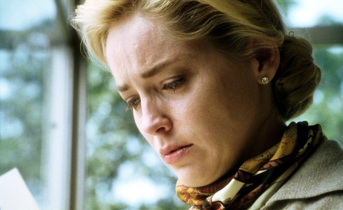 Die attraktive Sally Eastman (Sharon Stone) hat alles was sich eine Frau ihres Alters wünscht. Doch plötzlich stürzt ihr Mann in eine Lebenskrise un... - Bildquelle: Paramount Pictures