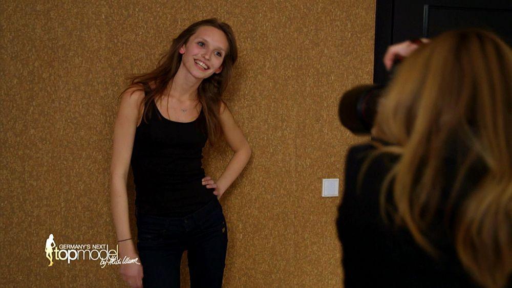 GNTM-09-Epi10-Casting-Fashion-Week_24