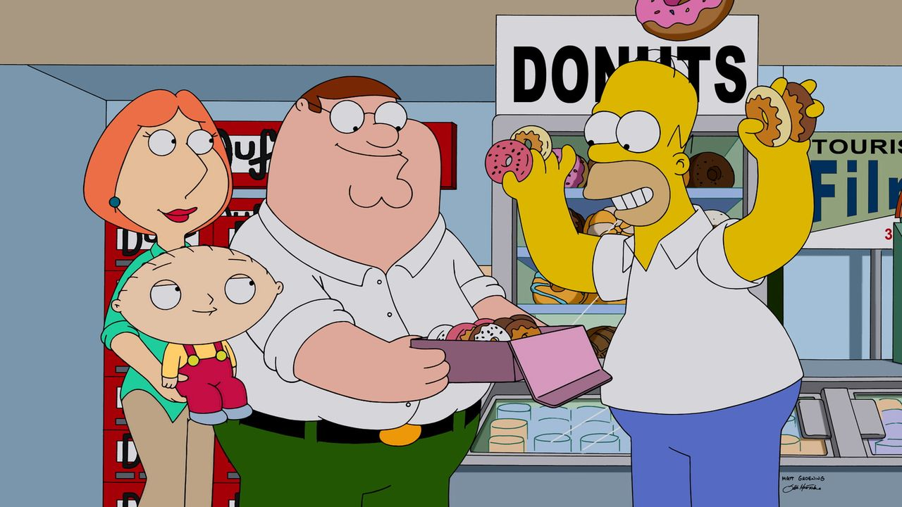 Wie könnte man die Ankunft in Springfield besser feiern, als mit Donuts? Homer (r.) zeigt Peter (2.v.r.), Stewie (2.v.l.) und Lois (l.), wie man die... - Bildquelle: 2015-2016 Fox and its related entities. All rights reserved.