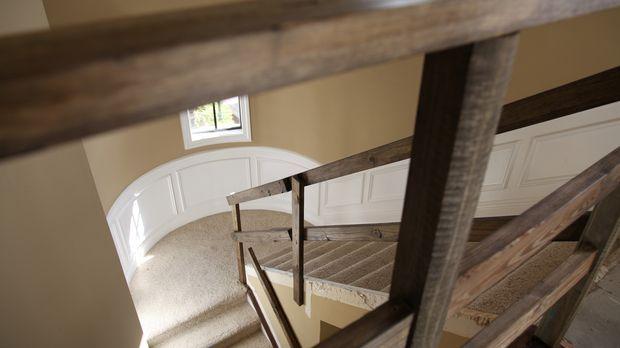 Vanilla Ice zeigt, wie man aus einer langweiligen und tristen Treppe einen wu...