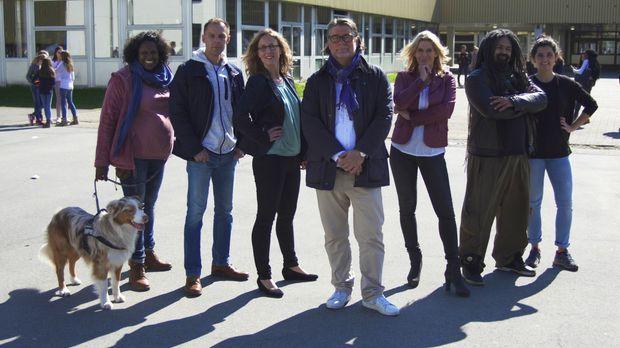 Die Schulexperten - Hilfe im Klassenzimmer: Andreas Giesen (M.), Saliha Shaga...