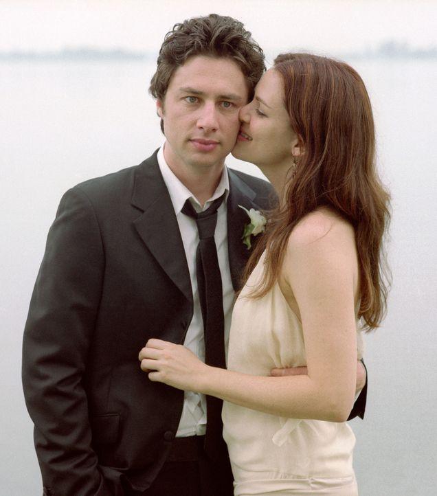 Michael (Zach Braff, l.) und Freundin Jenna (Jacinda Barrett, r.) erwarten ein Kind. Doch dann gerät Michael in eine Sinnkrise und sieht sich in se... - Bildquelle: DreamWorks Pictures
