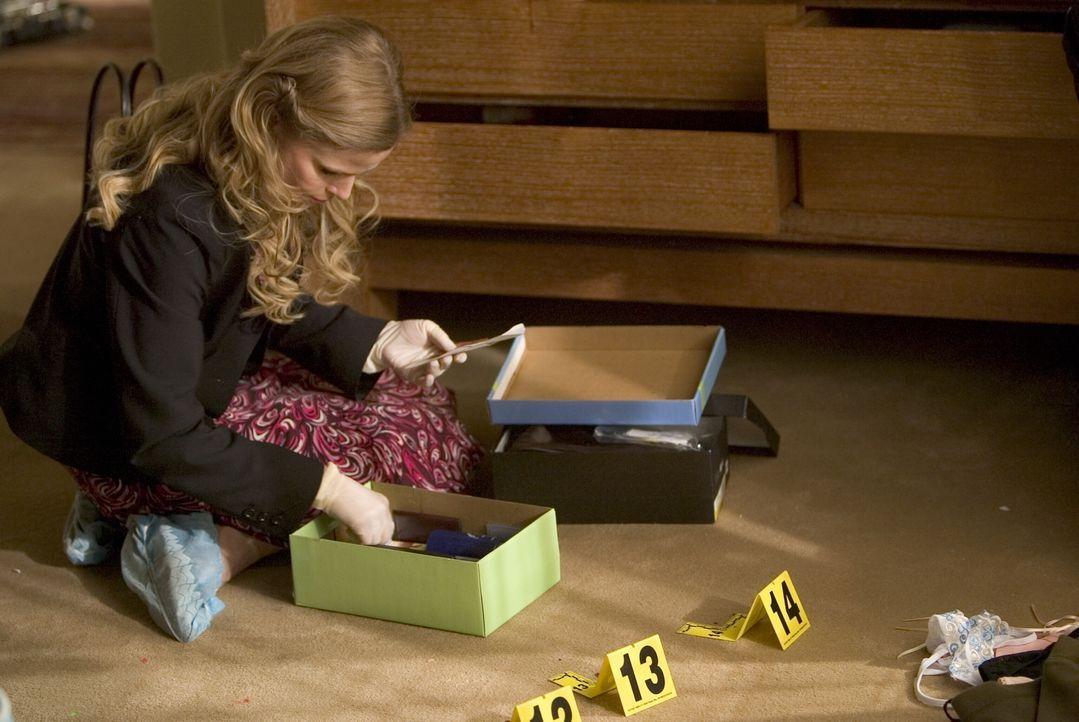 Zunächst deutet für Brenda (Kyra Sedgwick) alles darauf hin, dass Carla von ihrem Ex-Freund Brett Harlan getötet wurde, doch im Verhör scheint er eh... - Bildquelle: Warner Brothers Inc.