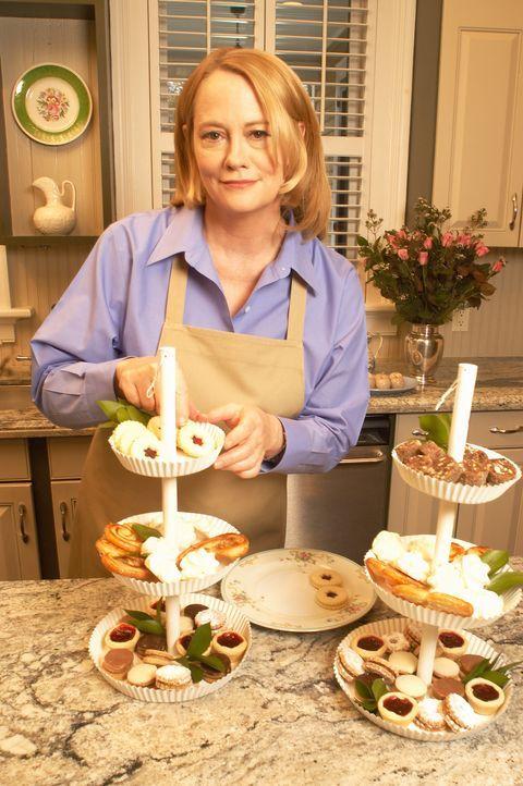 Der Film basiert auf dem wahren Fall der Medien- und Geschäftsfrau Martha Stewart, gespielt von Cybill Shepherd, die ihre Aktien der Pharmafirma ImC... - Bildquelle: TM &   2009 CBS Studios Inc. All Rights Reserved.