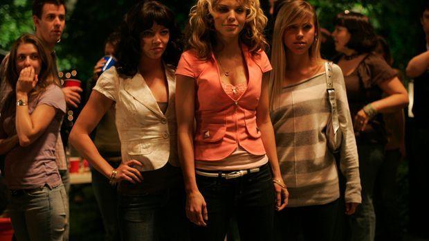 Was haben Suzie (AnnaLynne McCord, M.) und ihre Freundinnen vor? © Odd Lot In...