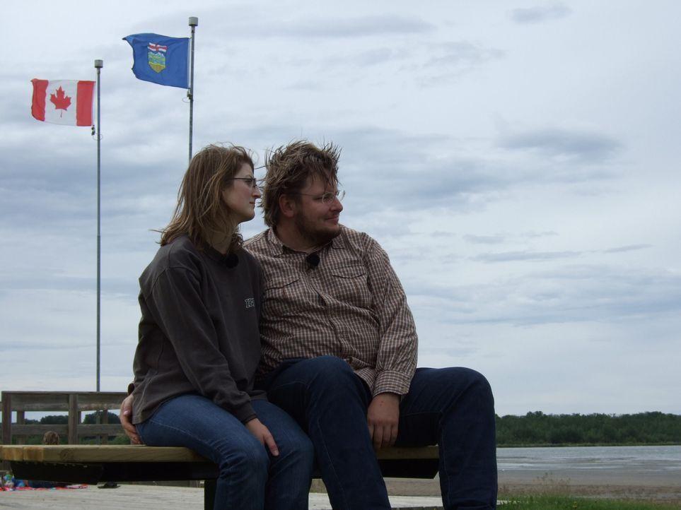 Jana (l.) und Torsten (r.) haben ihre Jobs in Deutschland gekündigt und hoffen, in Kanada eine neue Herausforderung zu finden. - Bildquelle: kabel eins