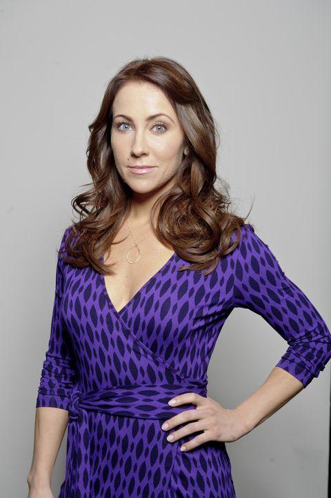 Ange Finch (Miranda Frigon) ist Evans älteste Freundin und Geschäftspartnerin. Sie sorgt dafür, dass seinen abenteuerlichen Dinosaurierjagden die... - Bildquelle: Bettina Strauss