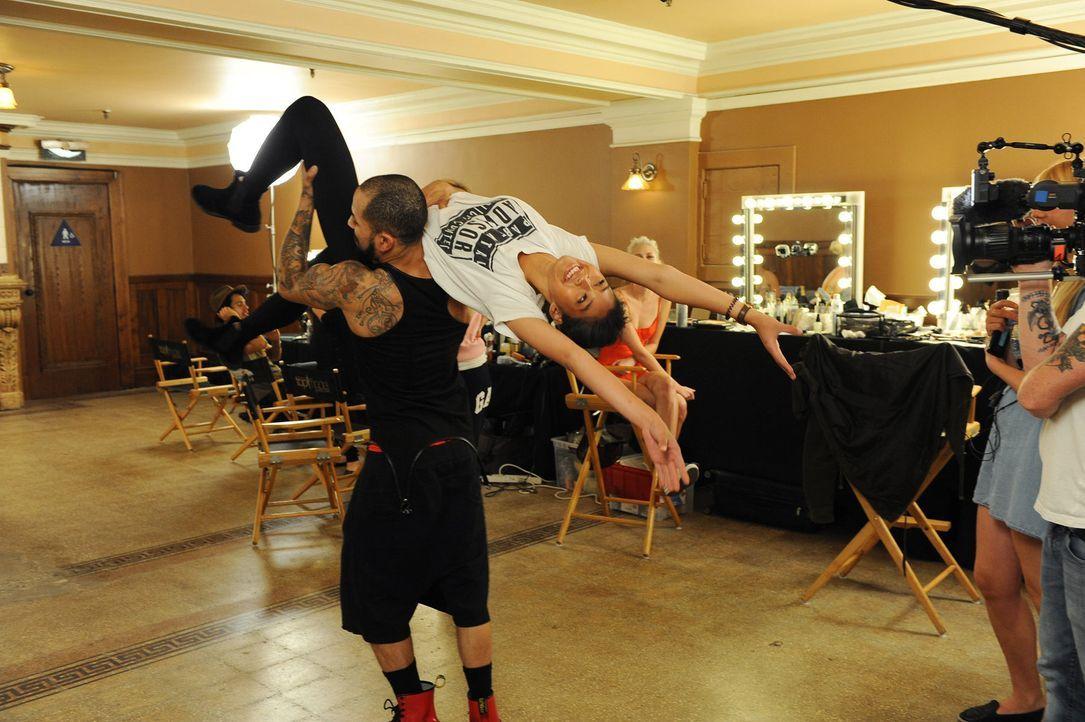 GNTM-Stf10-Epi12-Dance-Shooting-45-Anuthida-ProSieben-Micah-Smith - Bildquelle: ProSieben/ Micah Smith